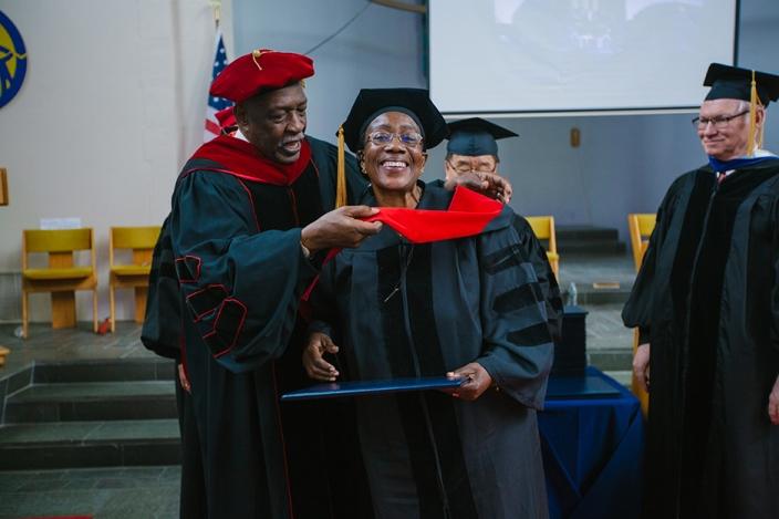 uts_graduation_2017_web-17.jpg