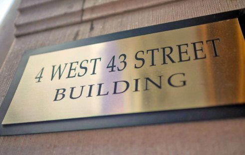 4 west 43rd st building thumb